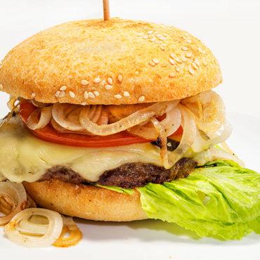 Die Ausführung de luxe: 180 Gramm Fleisch von unserem Chef Reiner frisch geformt und gegrillt.