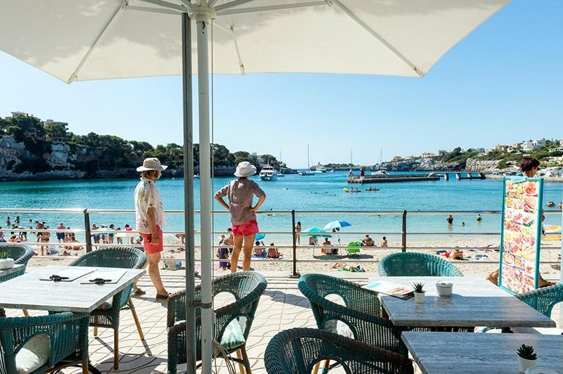 Erst noch einen Kaffee, oder gleich an den Strand?